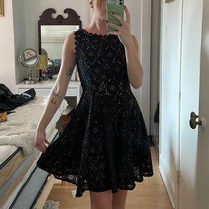 3/$19✨ City Studio Dress